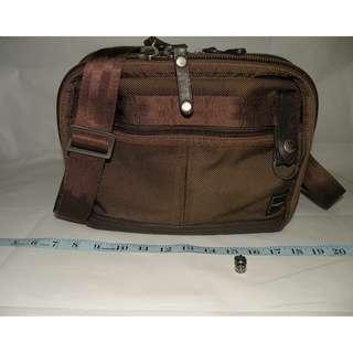 Porter (International) 軍綠色帆布側背包 (二手)