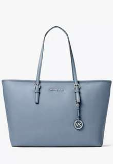 Michael Kors Saffiano Leather top zip tote (95% New)