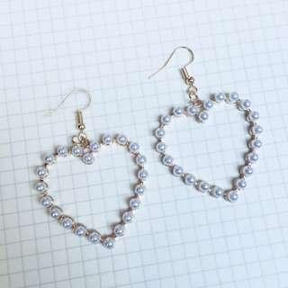 Heart-shaped Pearl Earrings