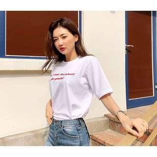 正韓製極簡百搭字母刺繡上衣 tee ( CHUU 官網代購 ) 短袖 圓領 T恤 合身 柔和 百搭