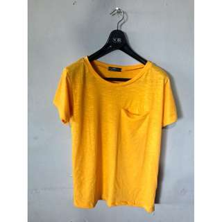 MINE yellowshirt