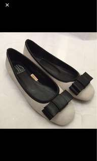 淺灰色蝴蝶結平底鞋