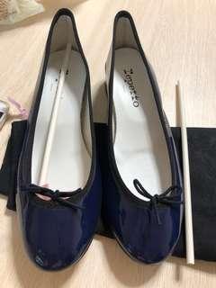 Repetto 全新 size 38 深藍 拼 黑色heel 2.5 cm