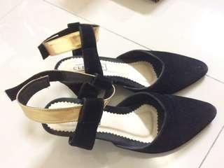 Clevina black shoes