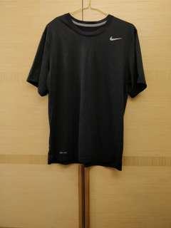 Nike Dri-Fit 男生黑色運動衣 Size M 正品
