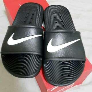 🚚 Nike KAWA SHOWER輕量防水休閒拖鞋 黑色 女生 US7 全新 專櫃 正品