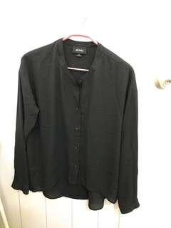 Monki 雪紡黑色恤衫