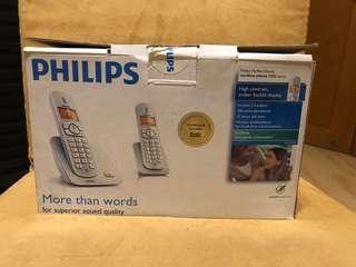 Philips 電話 、木椅 (免費)