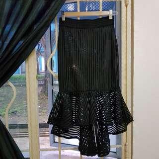 Mesh ruffle skirt