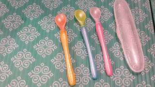 Nūby feeding spoon set for 4+month