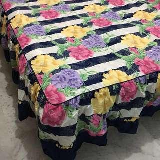 Vintage Flower Print Queen Size Bedsheet