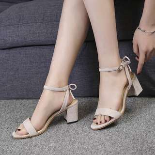 2018 Summer Open Toe Word buckle Rome Women Thick with High-heeled shoes Wild Sandals