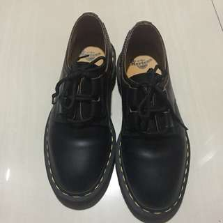 NEW Dr. Martens Ghillie Black