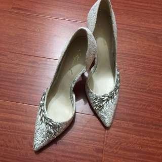 🚚 mystock 雅典娜水鑽高跟鞋 婚鞋 36、23號