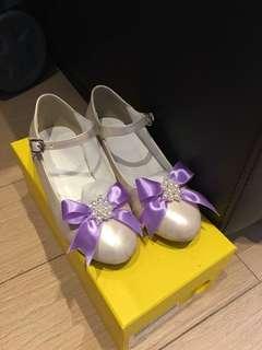 兩對童裝鞋