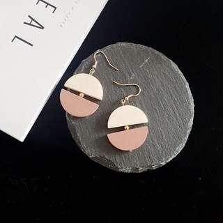 Korean baby pink woody earrings