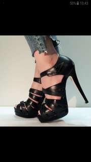 🚚 羅馬細跟高跟鞋