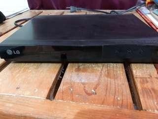 LG DP122 DVD /CD Player