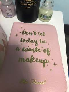 Too faced 2018 planner