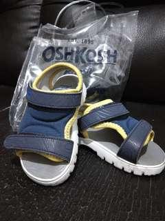 Sepatu prewalker Oshkosh
