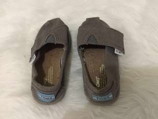 Repriced Toms shoes