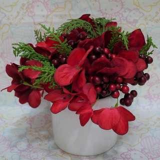[二手]聖誔紅花飾 $50 只擺了2天就收起來了。