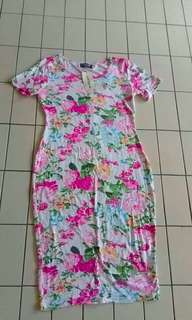 Floral dress L size never use