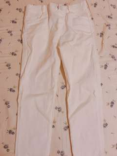 🚚 白色牛仔彈性褲