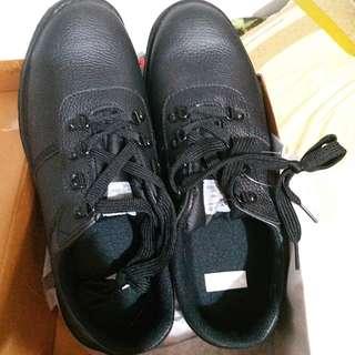免費 全新 黑鞋 F 46, US 11.5-12 限青衣長發邨取