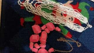 2 Kalung (putih dan soft pink)
