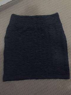 Textured black bodycon skirt size S