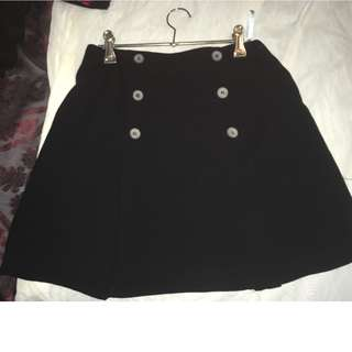 country road black pleated short skirt