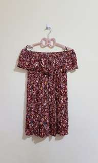FOREVER 21 Floral off shoulder mini dress