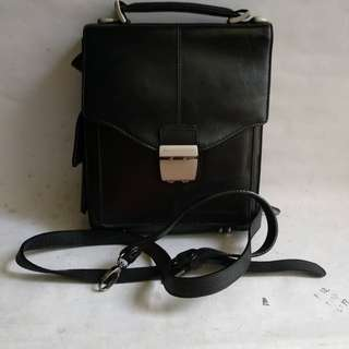 Tas kulit sling bag