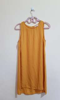 CHICABOOTI Mustard yellow top/dreds