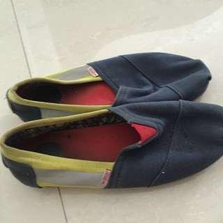 Sepatu pria wakai
