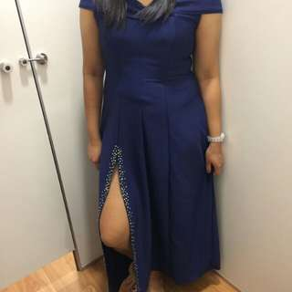 Prenup Gown for Rent (With detachable long trail - 5yards)