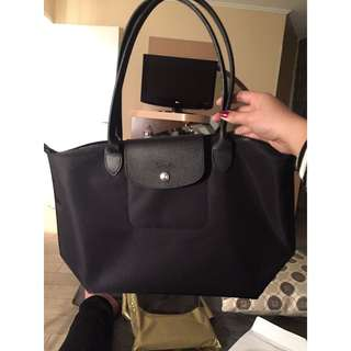 Original Longchamp Classic  Size: Medium Color: Black Model: L2605