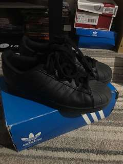 Superstar Foundation all black
