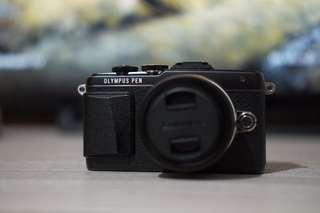 Olympus E-PL7 with Lumix 12-32mm (Black)