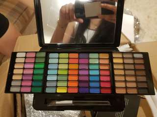Full color eyeshadow travel set