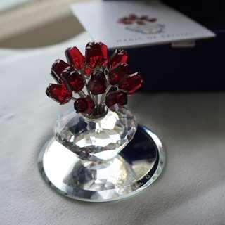 Swarovski vase of roses (ref 004)