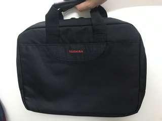 Toshiba14寸手提電腦袋