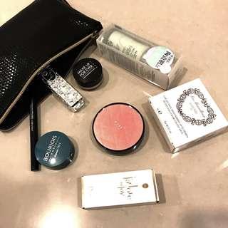 化妝品組合 Dior小香 Laduree眼影盤 資生堂眼線筆 Jill Stuart唇膏等等