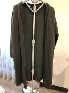🚚 [二手衣系列兩件8折三件75折]長版軍綠色休閒側側開岔口袋外罩外套