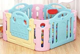 Play pen in mint condition