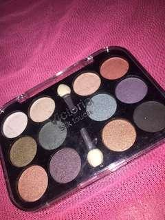 Victoria Silk Touch Eyeshadow Palette