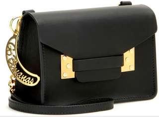 Sophie Hulme Milner Nano Leather cross bag saddle in Black 時款黑色斜袋香蕉匙扣