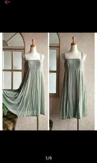 IROO 名品吊帶浪漫飄逸洋裝禮服
