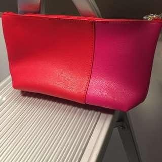 Sale$35Estée Lauder 化妝袋
